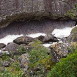 Wasser bricht Felsen