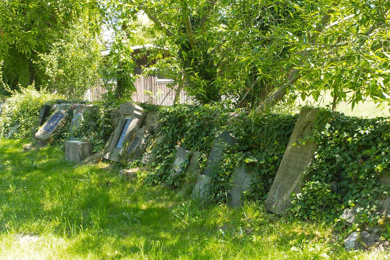 Grabplatten in Lünow