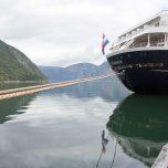 Kreuzfahrtschiff in Eidfjord