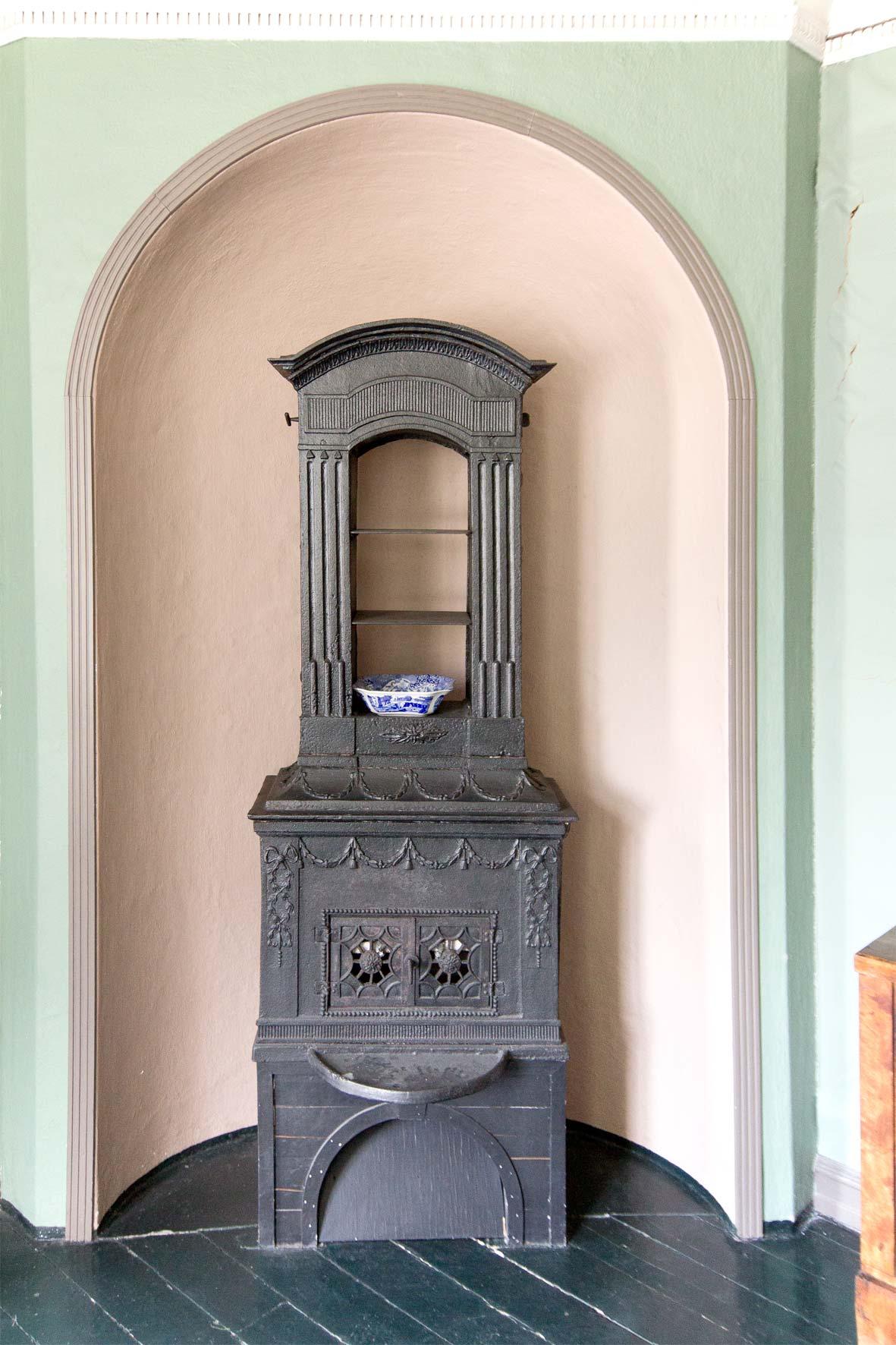 Gußeiserner Ofen in Gamle Bergen