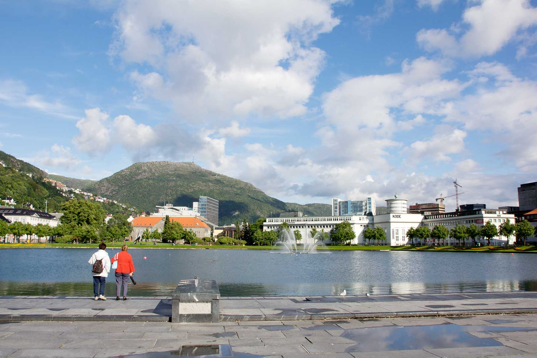 Bergen: Stadtsee, Ulriken und KODE